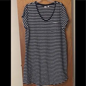 Gap Striped t-shirt dress with shirt tail hem XL
